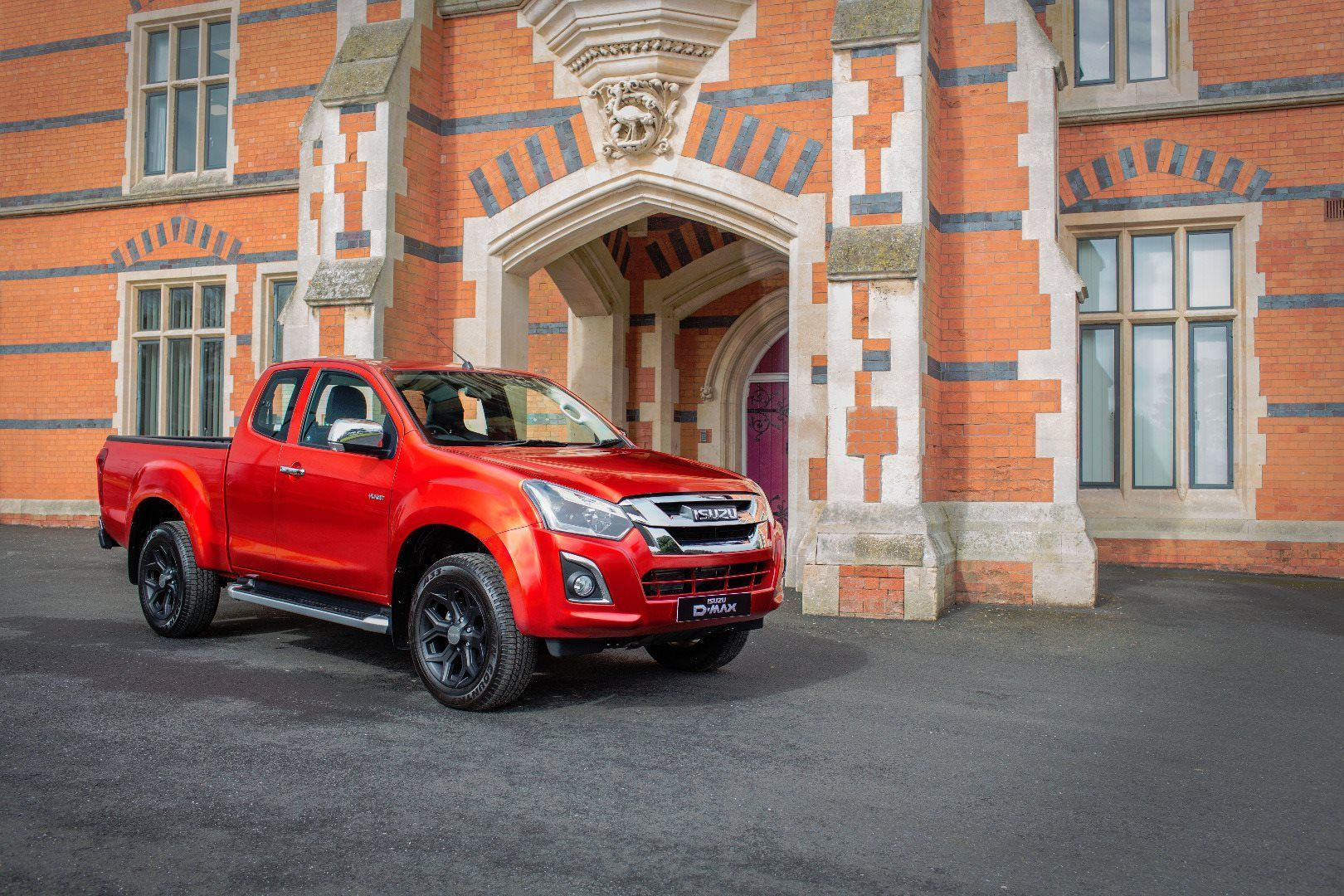 ISUZU PREMIER YUKON LUXE EXTENDED CAB AT CV SHOW 2018